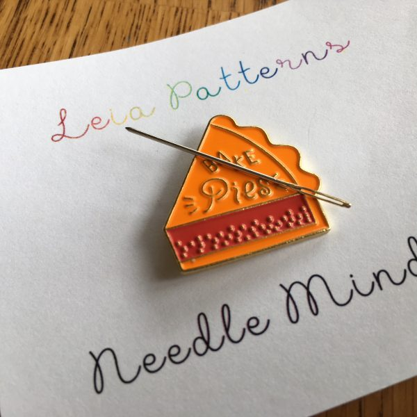 Bake Pies Needle Minder - Food Needle Holder